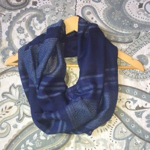 NWT Coldwater Creek Blue Stardust Infinity Scarf